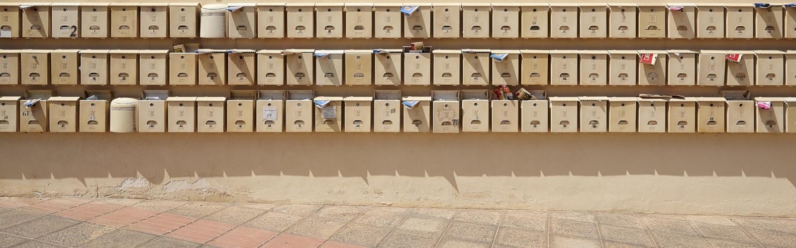 prospectus ISA dans des boites aux lettres